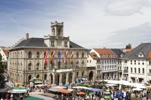 markt_mit_rathaus_weimar__foto_weimar_gmbh__guido_werner
